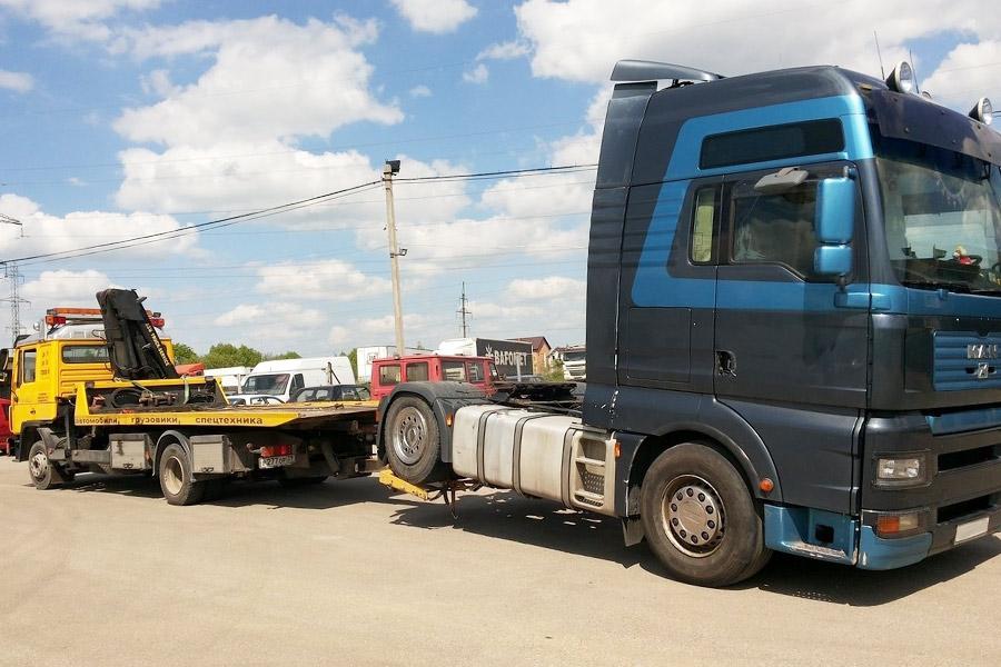 Эвакуация грузового транспорта частичной погрузкой
